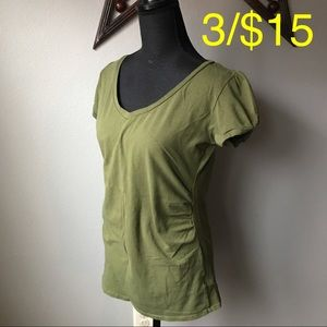 BONGO Olive Green ruched shorty sleeve top